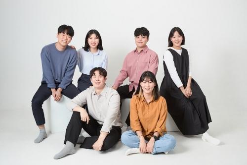 열여덟어른 시즌3 캠페이너 단체사진. 윗줄 왼쪽부터 신선, 강영아, 박강빈, 허진이, 조규환, 손자영 캠페이너